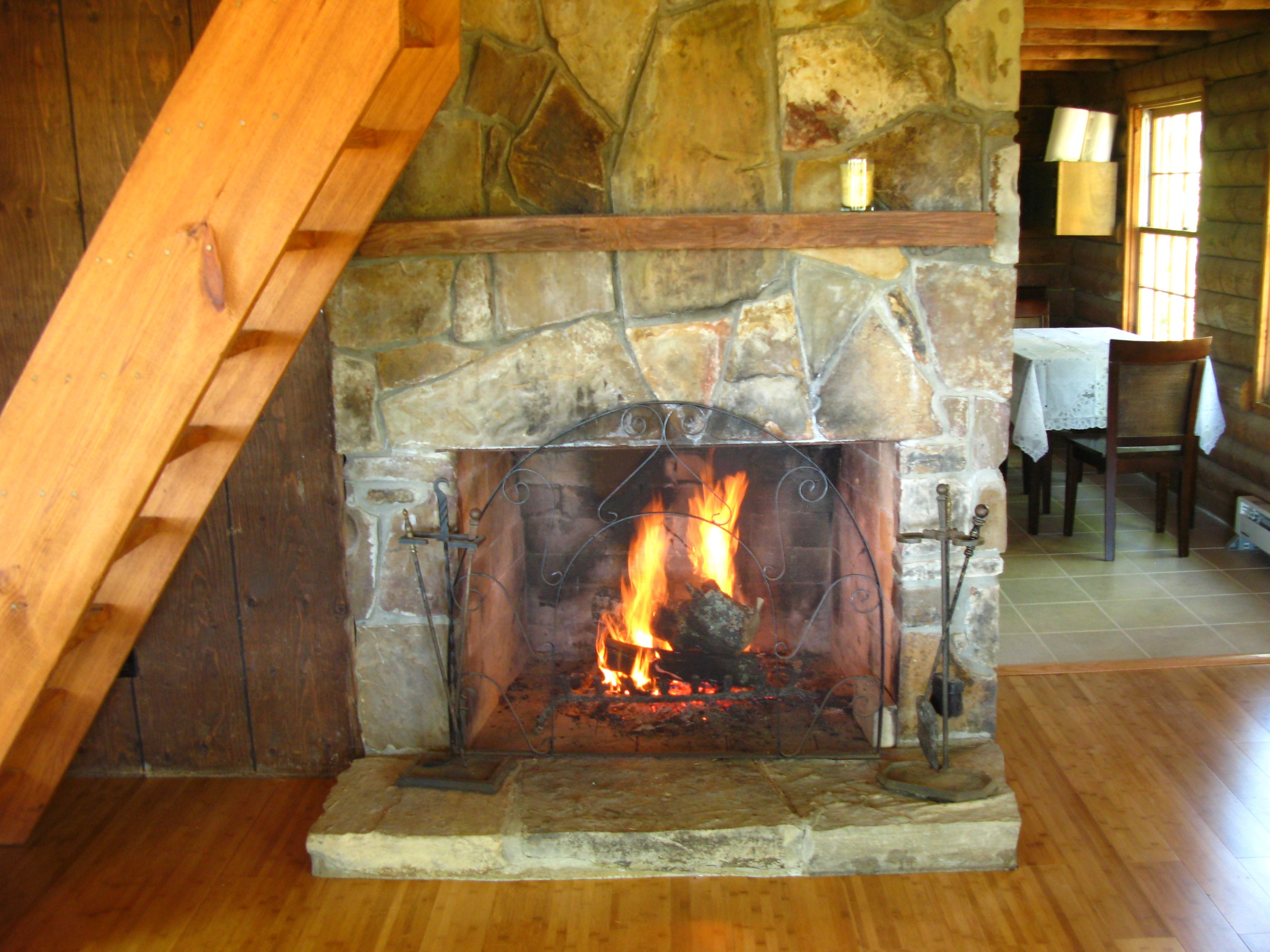 Cabin with fireplace for Log cabin fireplaces pictures